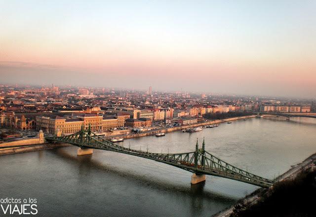 puente de la libertad sobre el danubio