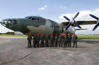 Y-8 Avión táctico de la AMB