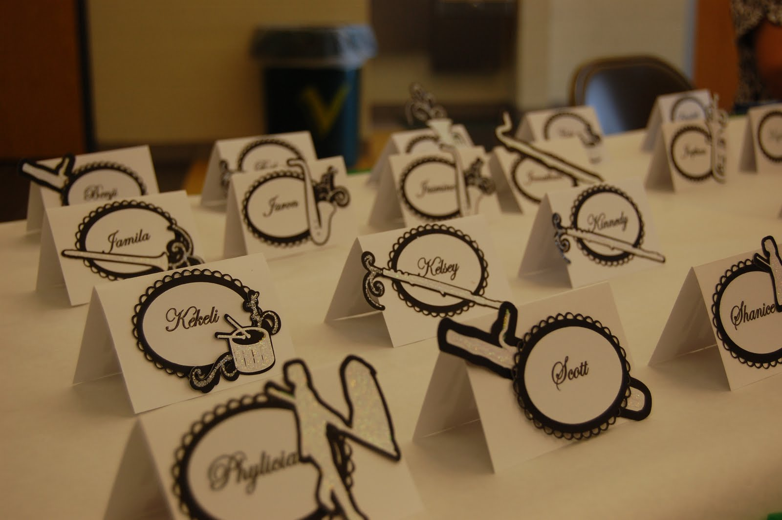 Scrappin intervention band banquet place cards