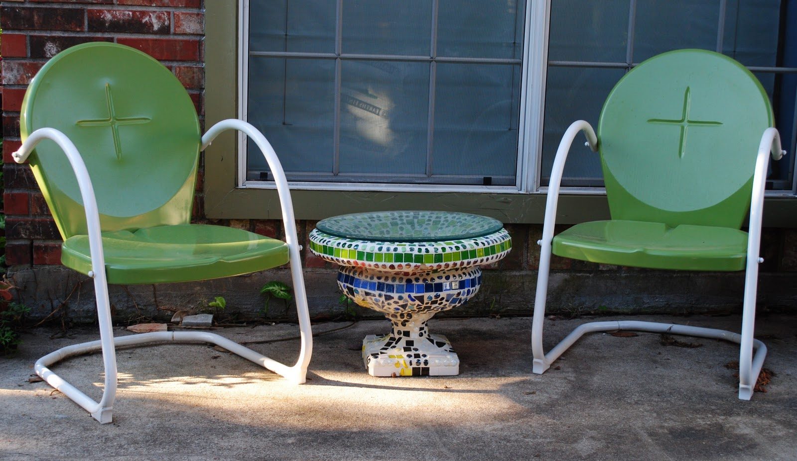 Lucy's in the Garden: My Mosaic Garden Urn