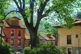 Proaza, proximidades del Ayuntamiento
