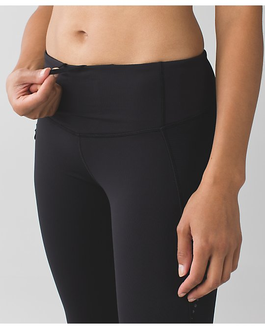 lululemon stop-at-nothing-crop