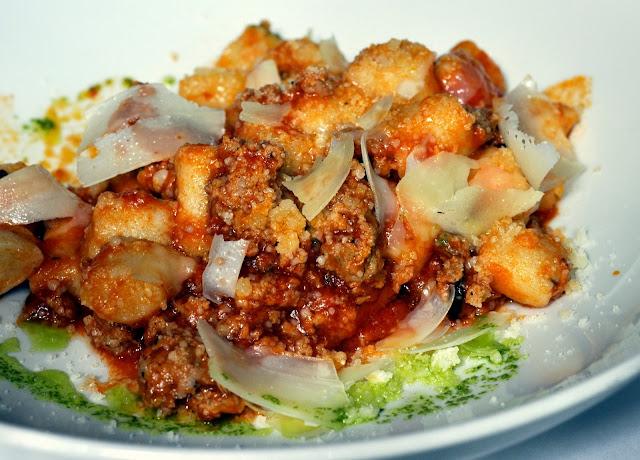 Gnocchi-con-Ragú-di-Salsiccia-Vinoteca-di-Monica-Boston-MA-tasteasyougo.com