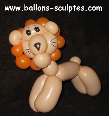 lion en ballons