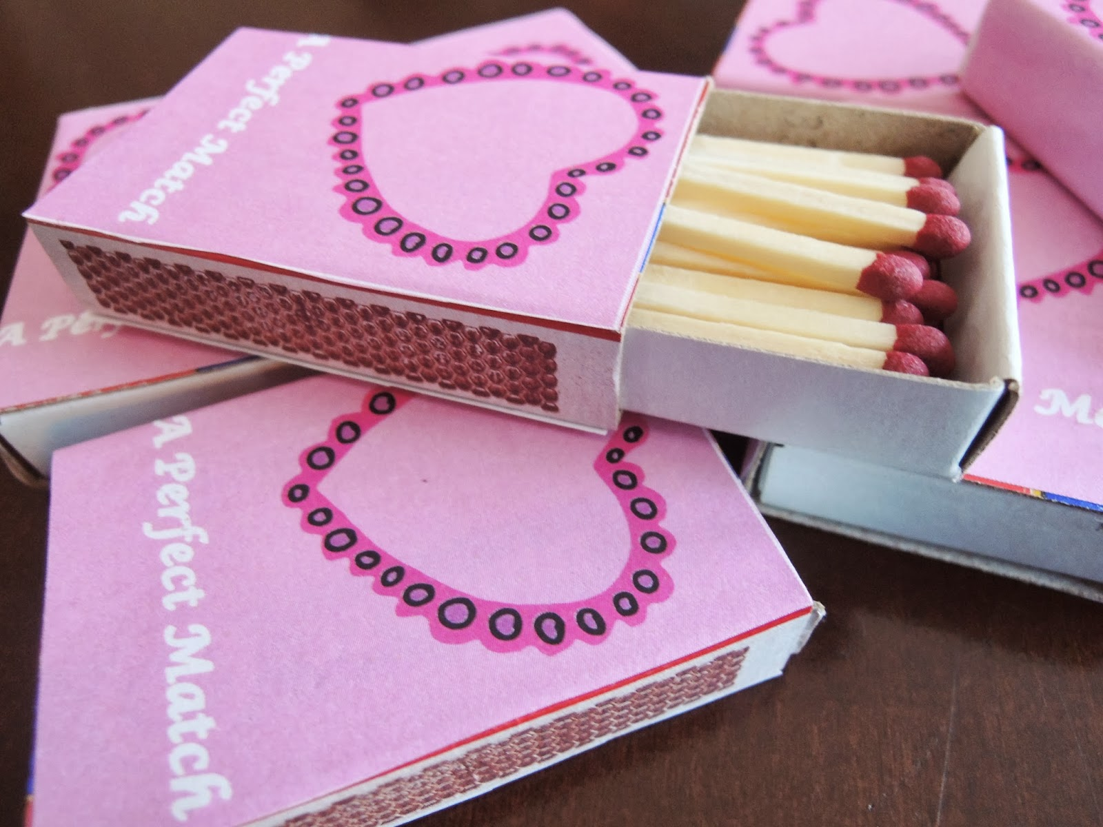 Holly Goes Lightly: DIY Matchbox Valentines