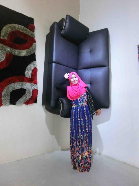 Upsidedown Art Gallery PD