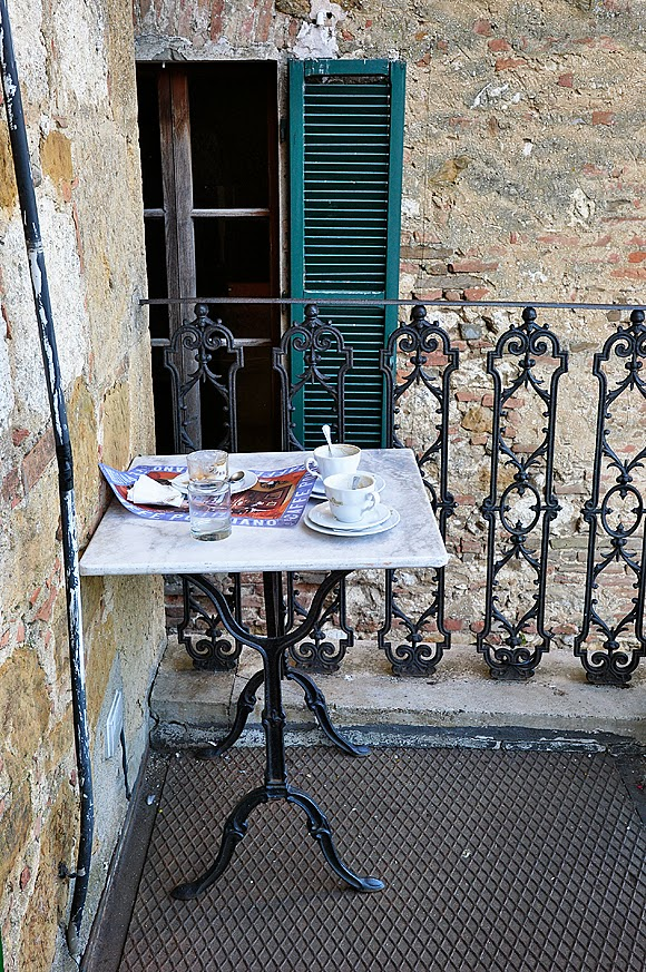 Cafe in Tuscany