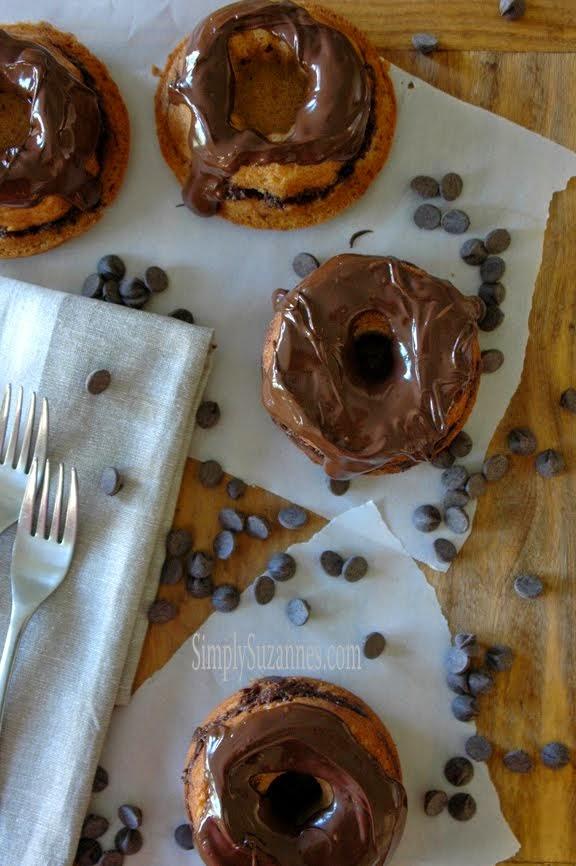 cocoa streusel mini cakes
