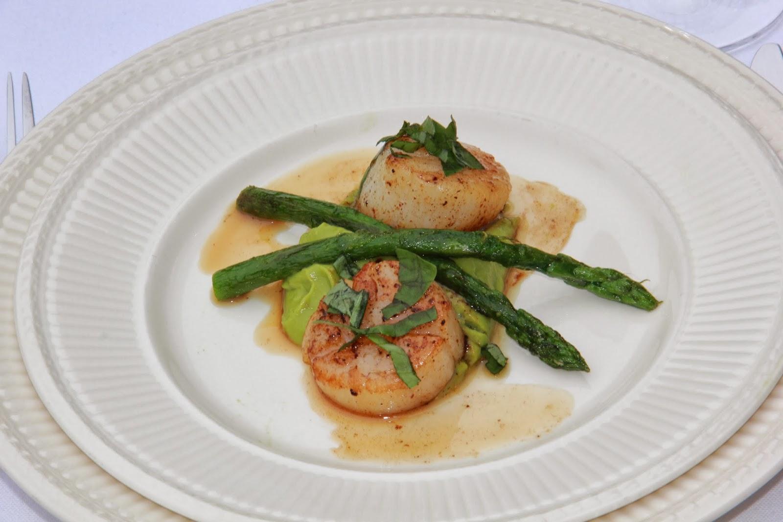 Coquilles met een oosterse avocadocrème & groene asperges - www.desmaakvancecile.com