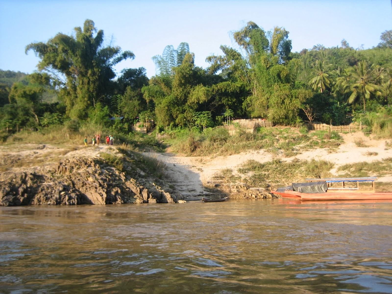 laos-mekong-river-thailand-slow-boat