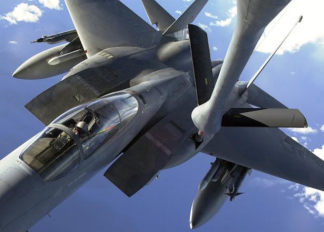 F-15C midair refueling.