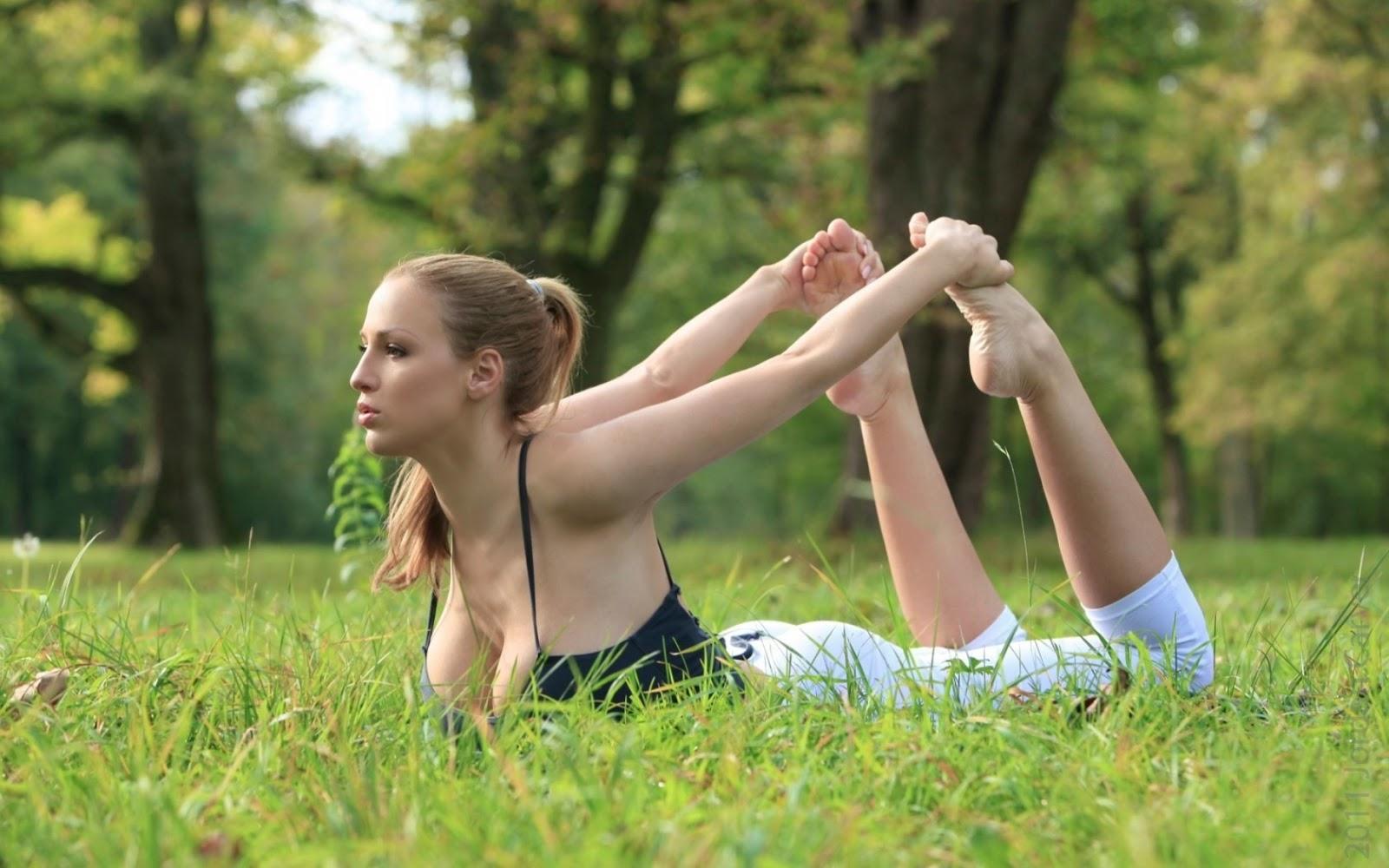 Yoga com Jordan Carver