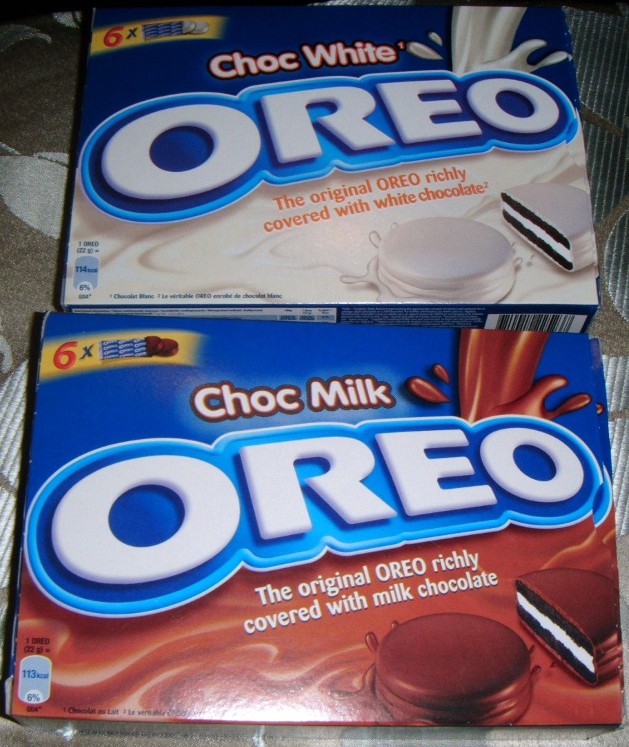 FOODSTUFF FINDS: Dipped Oreos [Milk and White Chocolate] (Asda ...