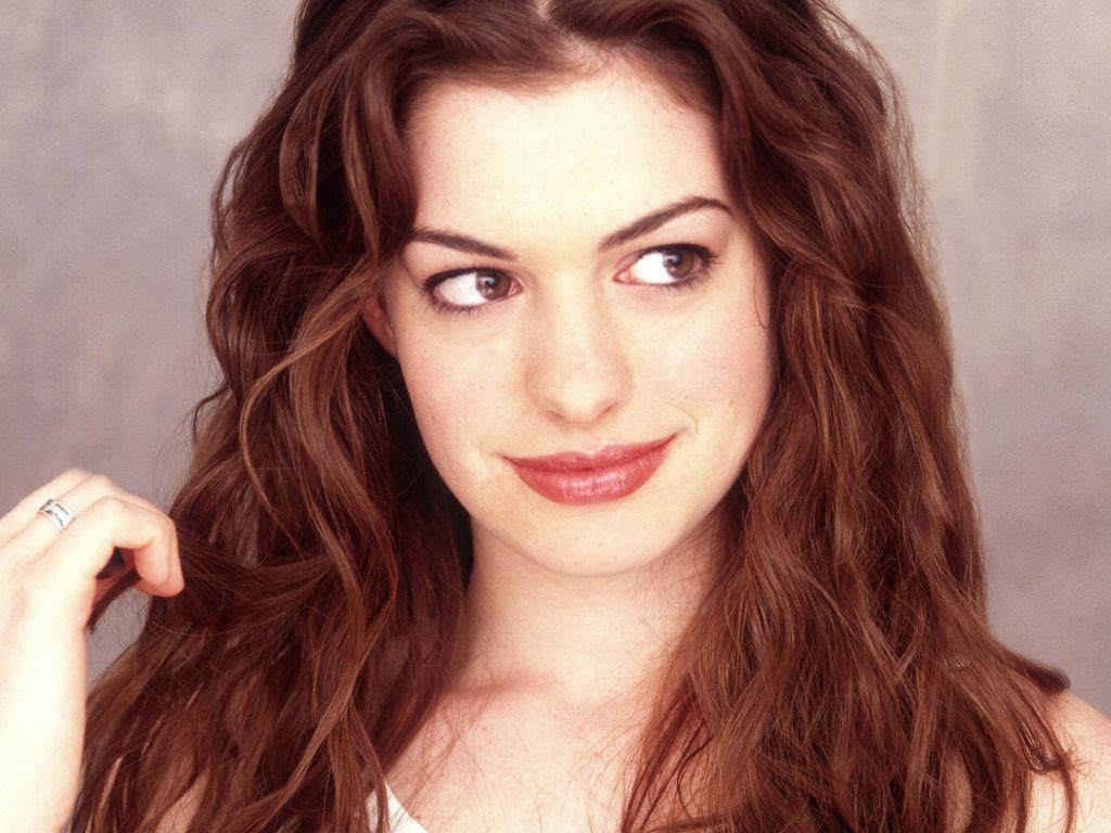 http://1.bp.blogspot.com/-jqmXAI_FUgY/ULp1BjqRkxI/AAAAAAAAFTQ/HbeWpGqN38Q/s1600/Anne-Hathaway-sexy-eyes.jpg
