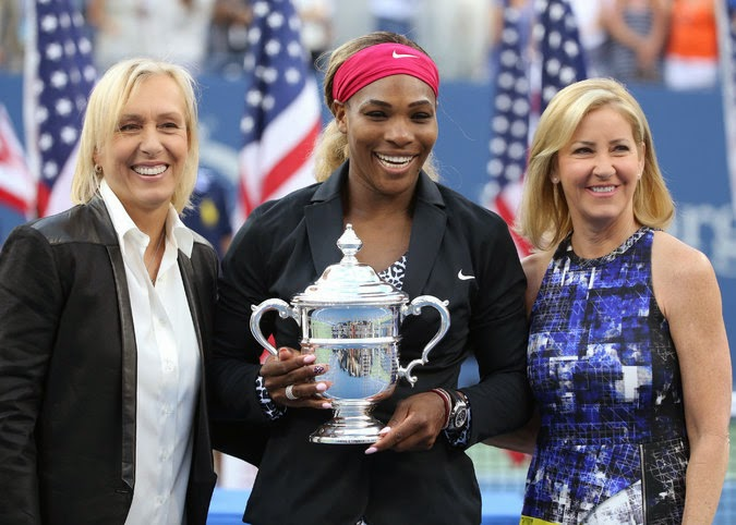 Serena Williams with Martina Navratilova and Chris Evert after Williams's victory on Sunday