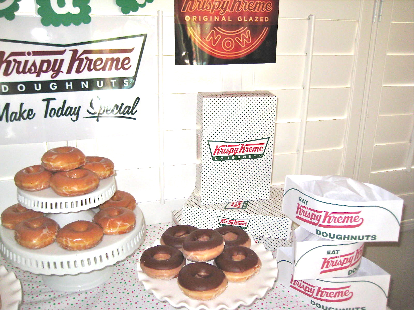 Creative Party Ideas by Cheryl: Mother\'s Day Krispy Kreme Donut Party