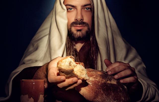 E Jesus lhe respondeu, dizendo: Está escrito que nem só de pão viverá o homem, mas de toda a palavra de Deus. - Lucas 4:4