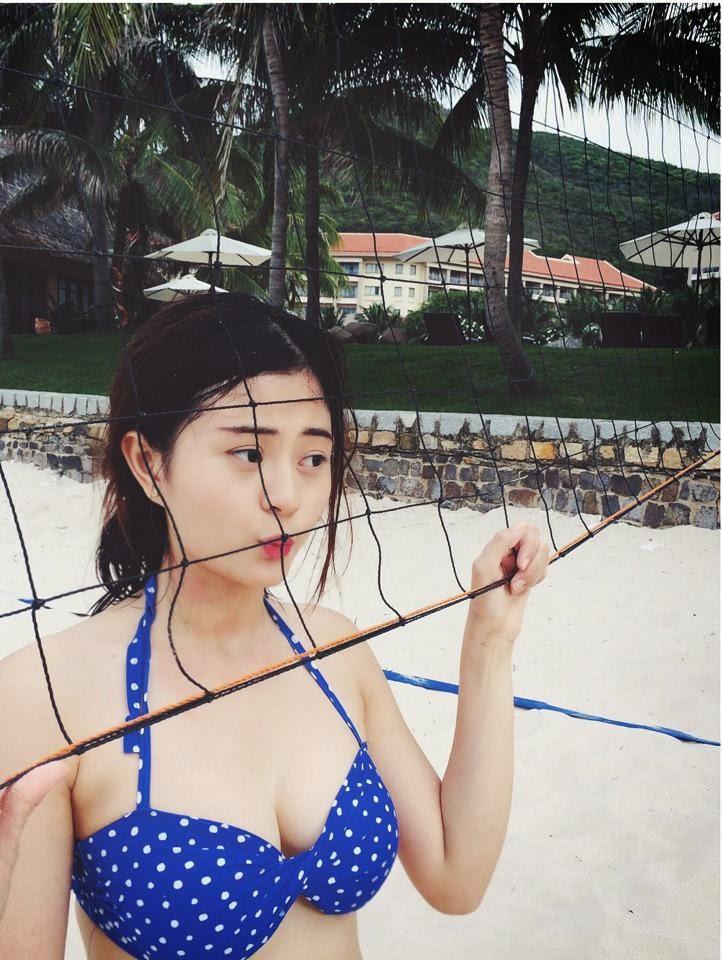 Người đẹp Châu Dương đi tắm biển 10