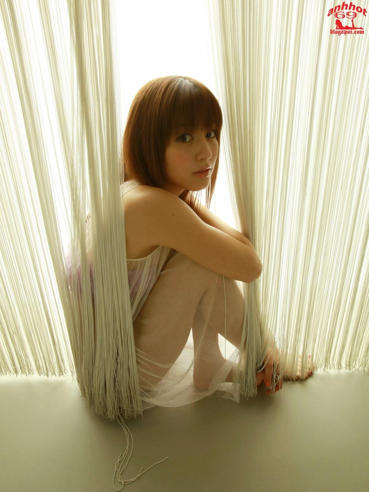 yumi-sugimoto-00494452