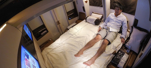 What It's like to Fly the $18,400 US Dollars Singapore Airlines Suites Class
