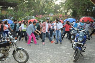 Leaked Pics: Vijay dances with Prabhu Deva & Akshay in Rowdy Rathore