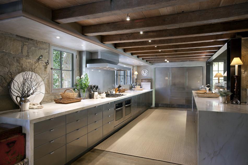 New home interior design ellen degeneres portia de for California kitchen designs