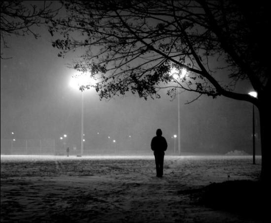 Hình ảnh buồn khóc, cô đơn, tâm trạng