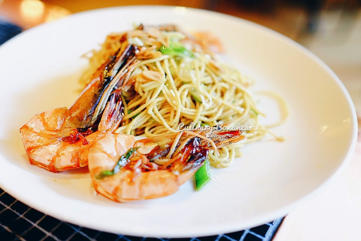 Garlic Noodles with Prawns at Wilshire Restaurant, Senopati (www.culinarybonanza.com)