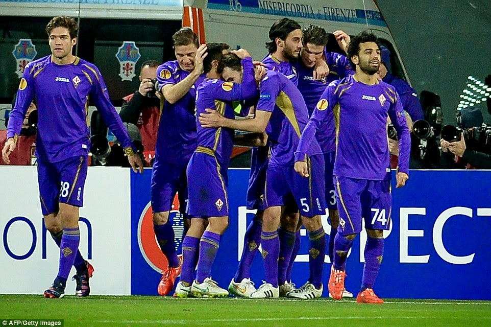 Fiorentina celebrate beating Tottenham in the Europa League