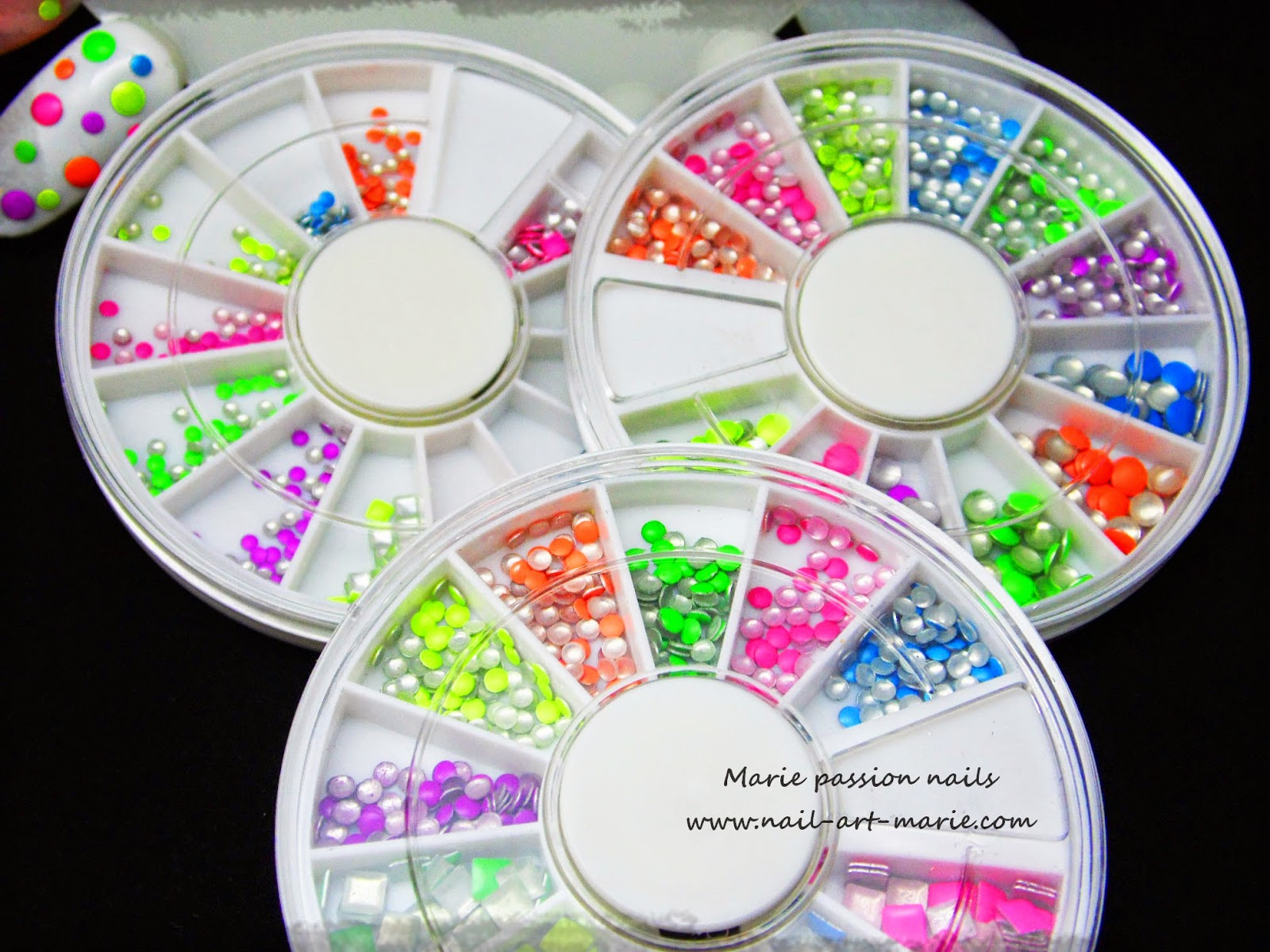 studs néon lm cosmetic1