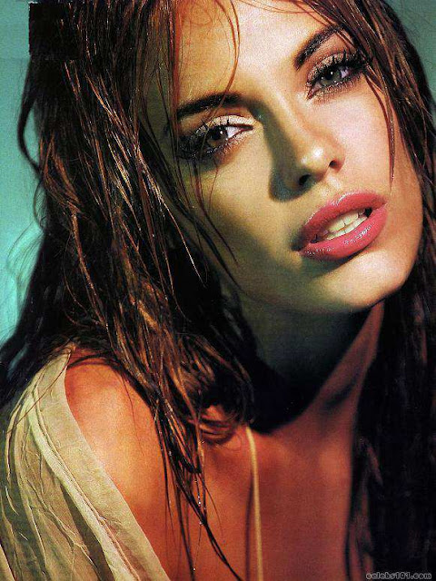 Emilia Attias have a beautiful face