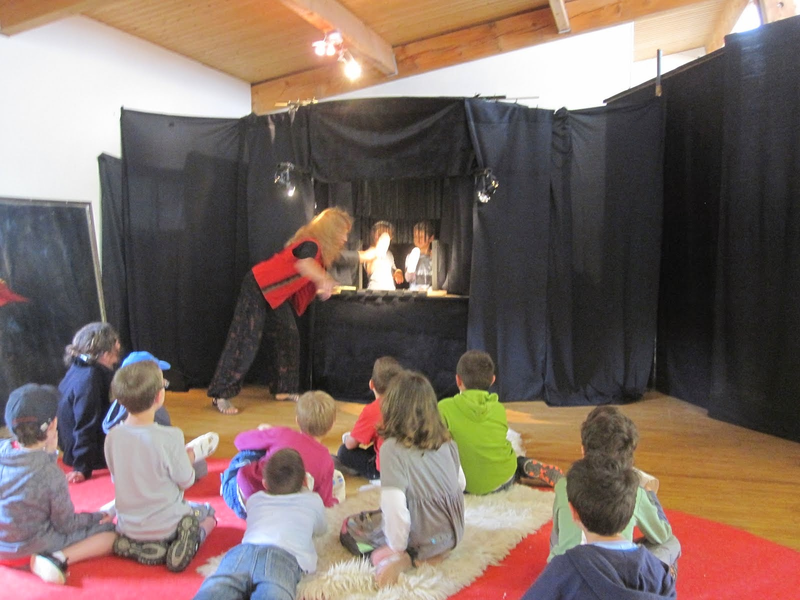 Spectacle à la maison devant 2 classes de maternelle