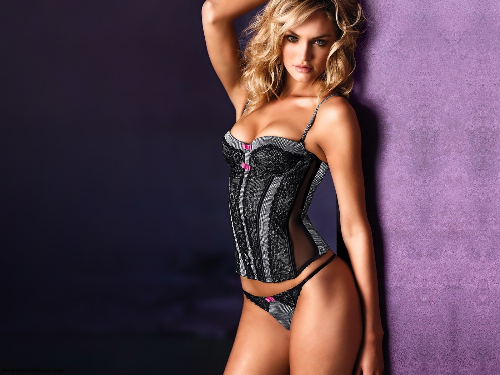 http://1.bp.blogspot.com/-jsAxxBhzU-U/TZdA3YO7UbI/AAAAAAAAAEw/tw4ICf-TLhI/s1600/best-top-girls-hot-babes-wallpaper-sexy-babes-wallpapers-hd-17.jpg