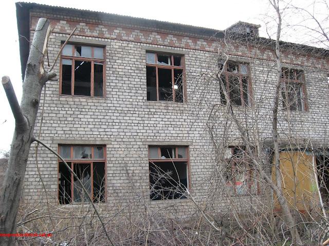 Днепродзержинск. Заброшенное здание на улице Арсеничева.