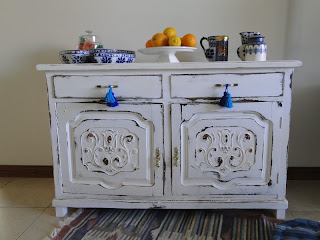 Vintouch muebles reciclados pintados a mano mueble antiguo blanco decapado - Decapar muebles antiguos ...
