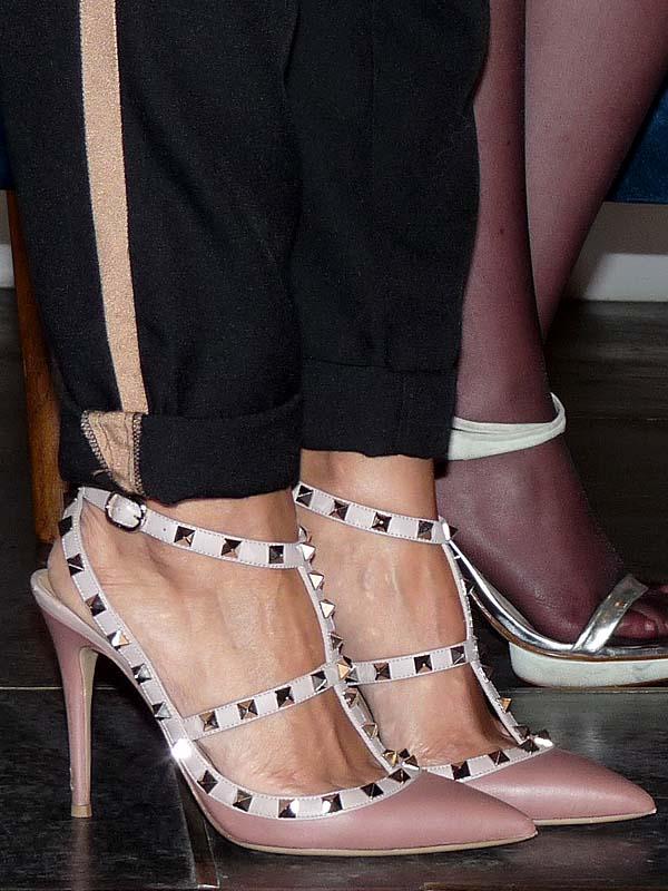 Street style - como una aparicion - valentino studded shoes