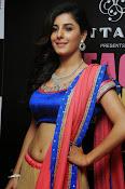Isha talwar latest glam pics-thumbnail-12