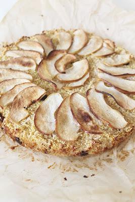 Ciasto z kaszą jaglaną i jabłkami