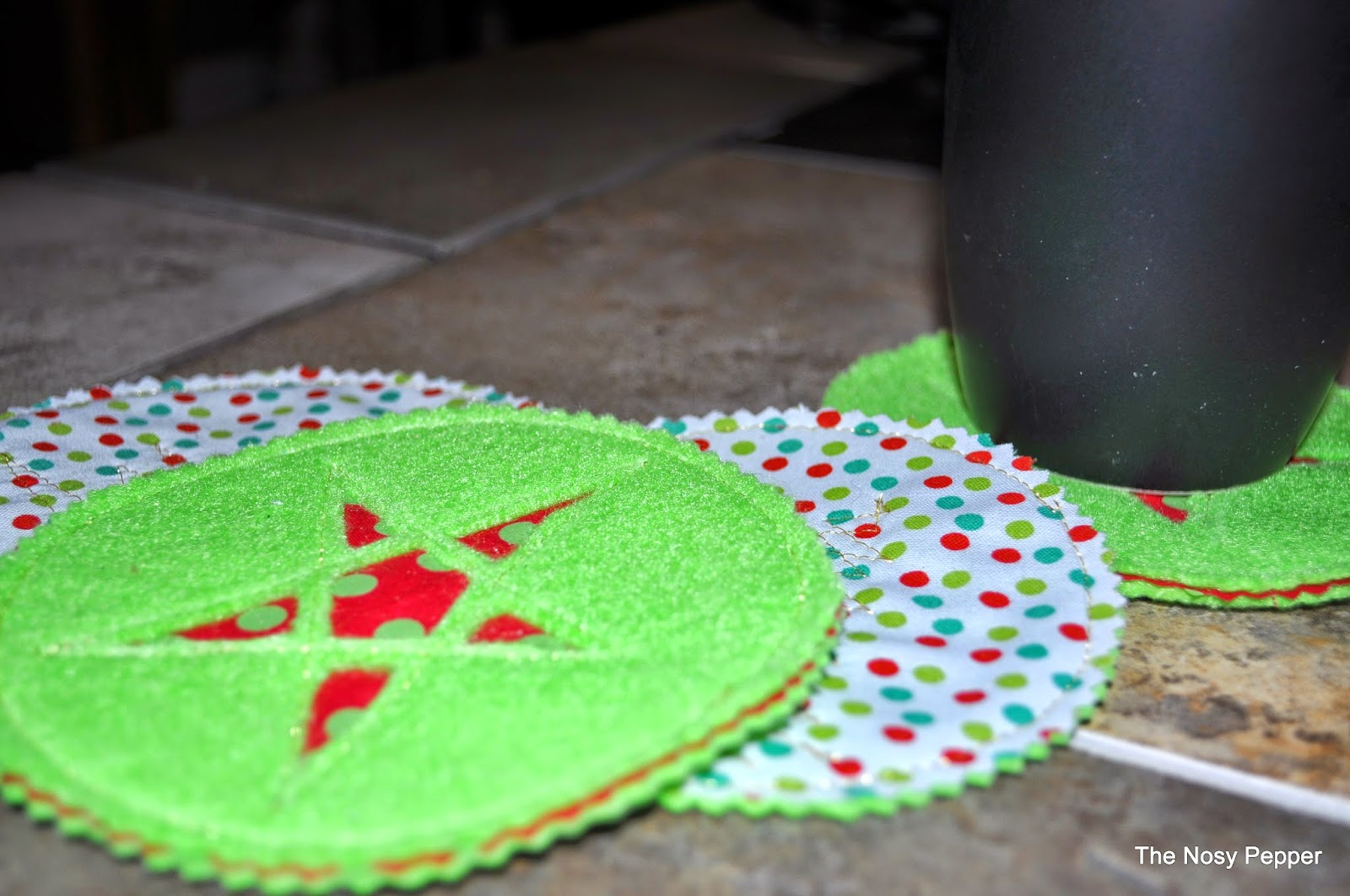 http://jaimesews.wordpress.com/2014/11/17/30-minute-christmas-coasters/#comments