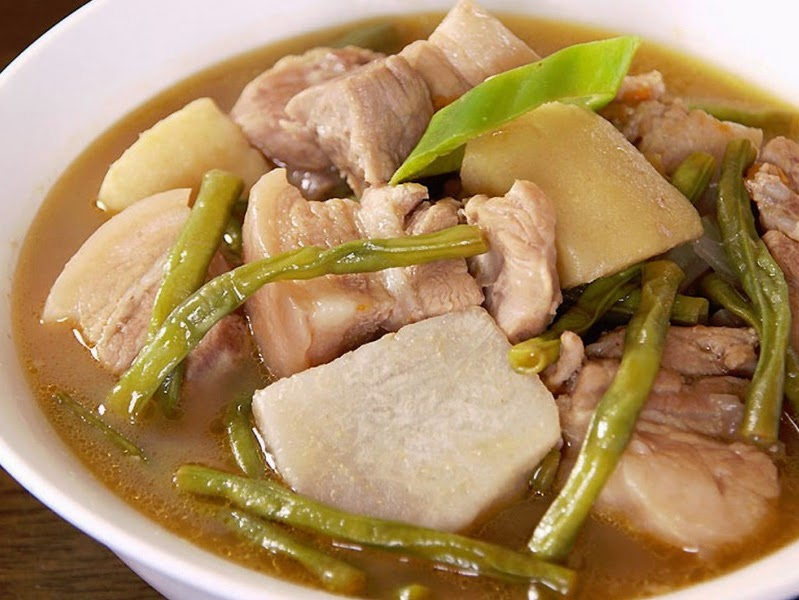 how to cook pork sinigang with gabi