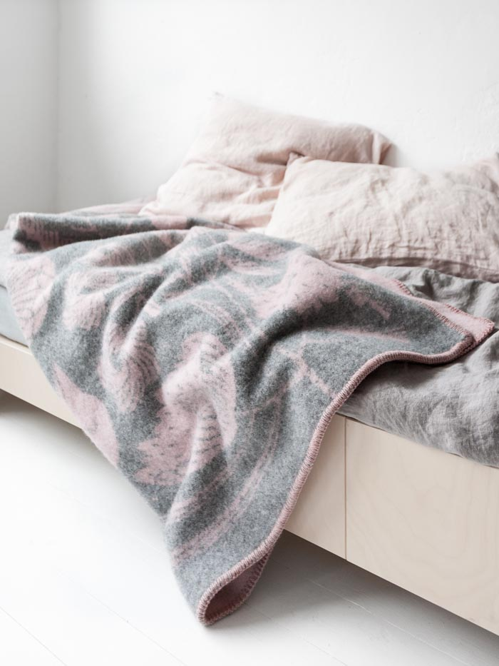 wool blanket pink grey at Rafa-kids