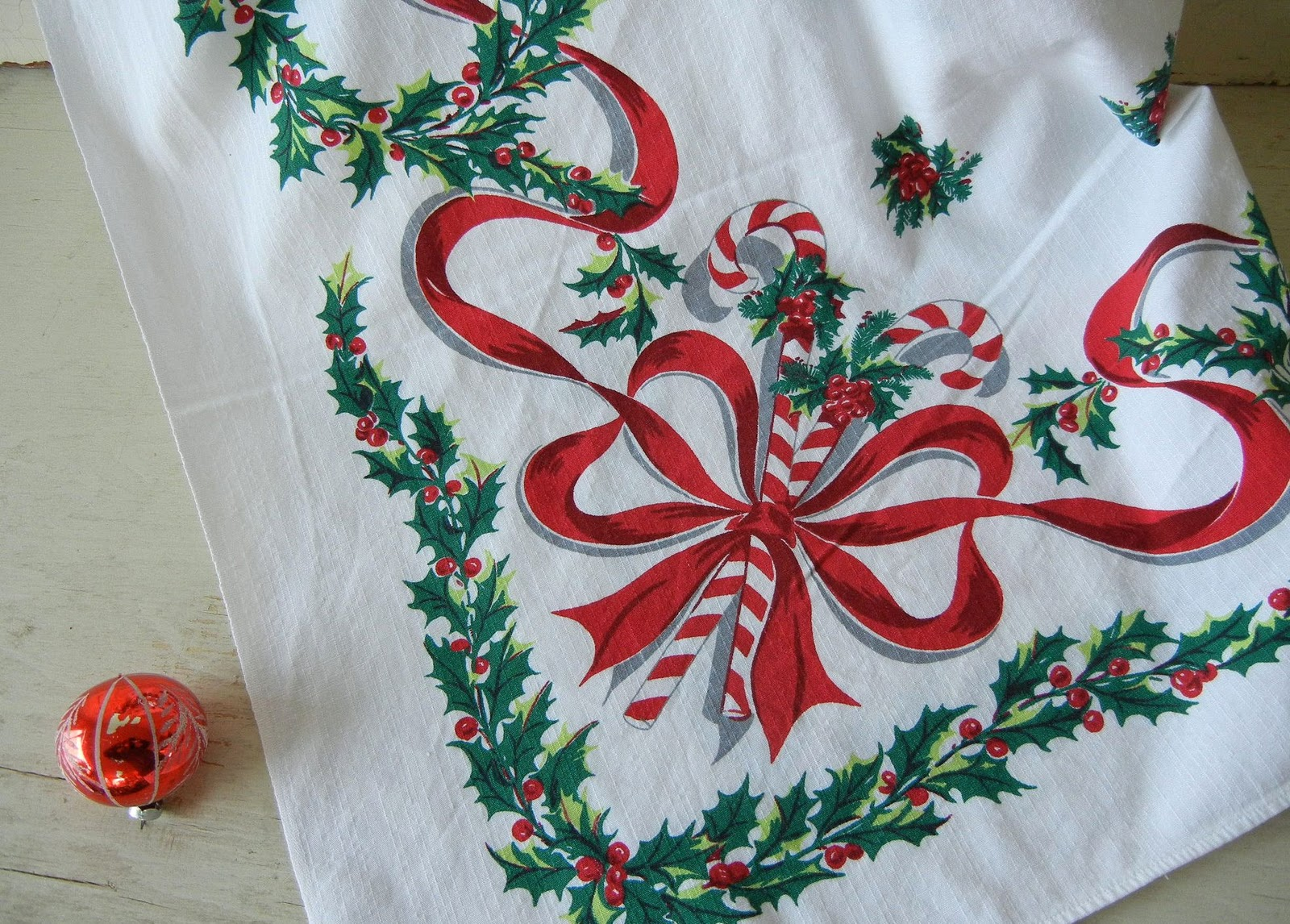 Into Vintage: A Vintage Christmas Tablecloth Giveaway