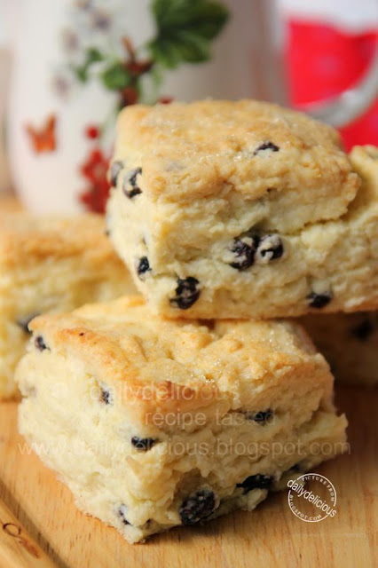 Mascarpone Blueberry Biscuits: Soft and Mild biscuits