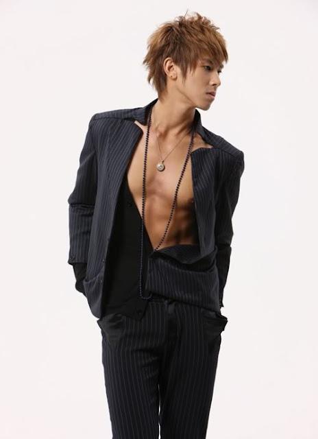 صور للفرقة الكورية TVXQ UknowShots_0130yunho