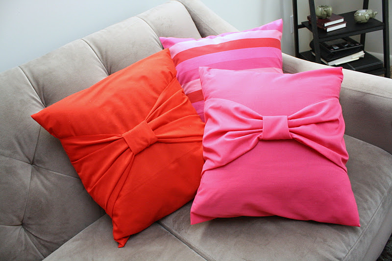 Bow Pillow Cases Tutorial From Rae Gun Ramblings Simple And Inexpensive Sewing Home Decor