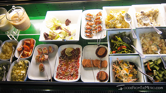 Foodie from the Metro - DADS Saisaki Kamayan Salad Bar
