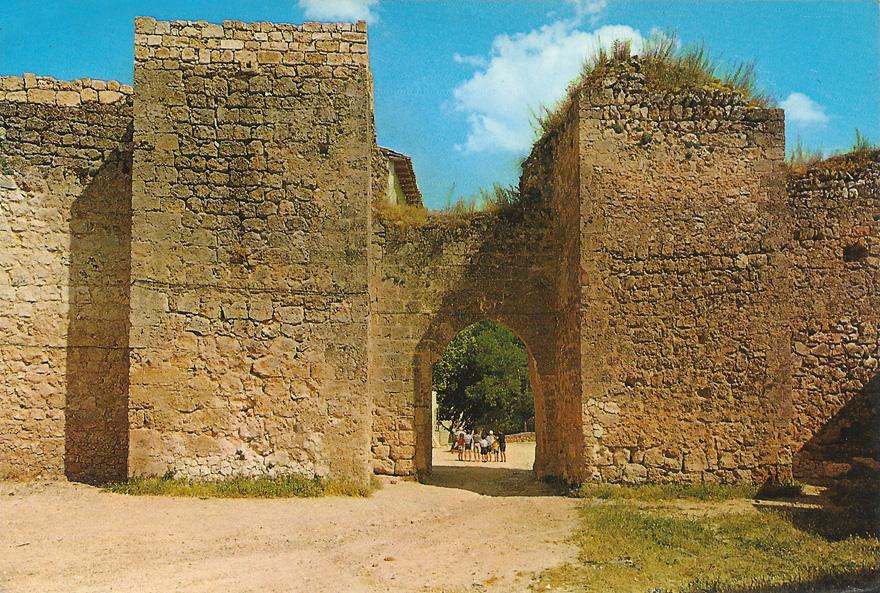 Brihuega, puerta del Juego de la Pelota