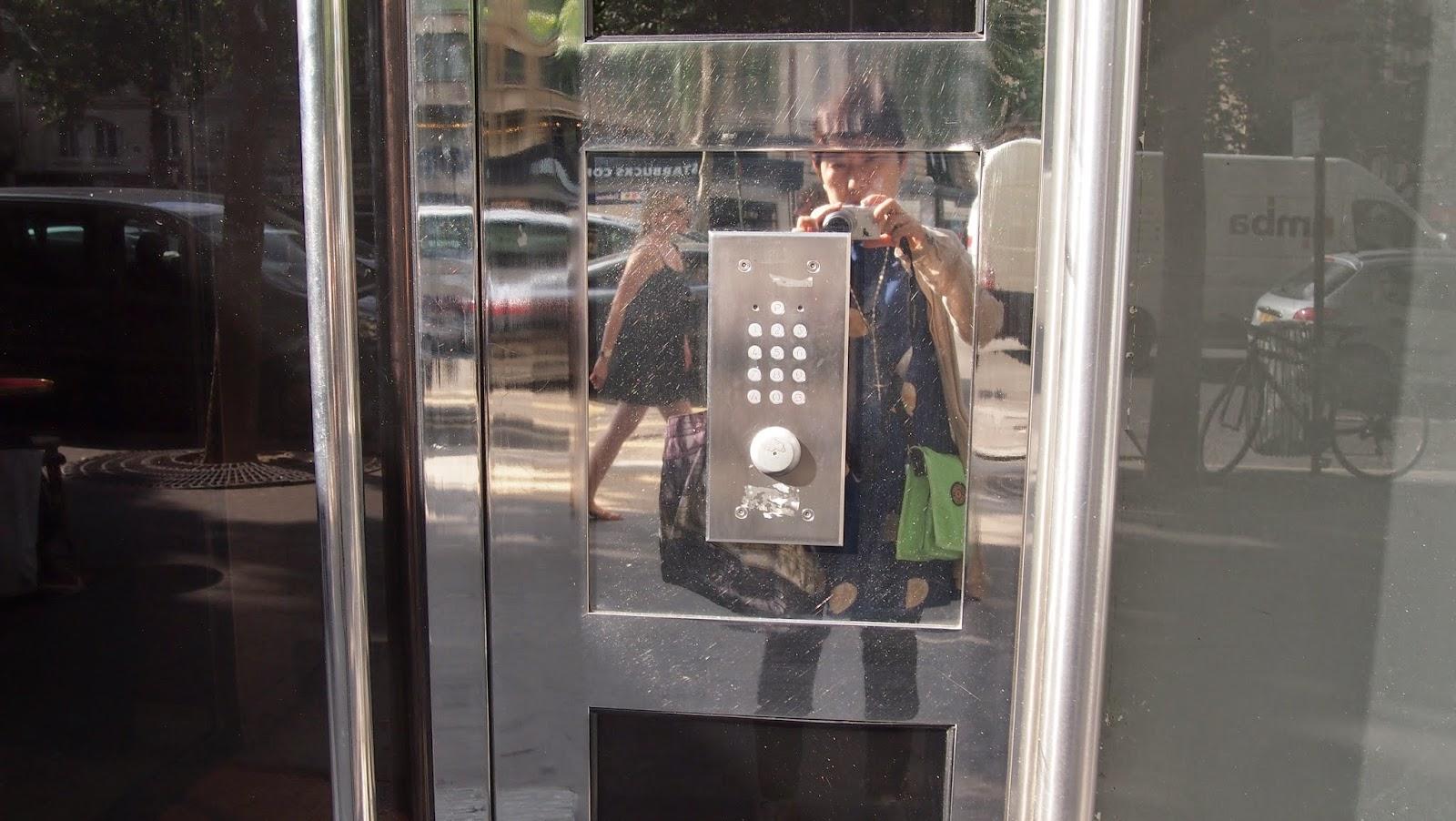 パリのアパルトマンの写真02