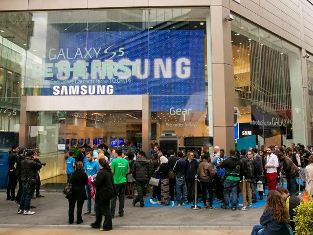Samsung က ပိတ္လိုက္တဲ့ Westfield က ဆိုင္