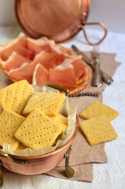 hiperica_lady_boheme_blog_di_cucina_ricette_gustose_facili_veloci_antipasti_stuzzichini_biscotti_salati_al_formaggio_1